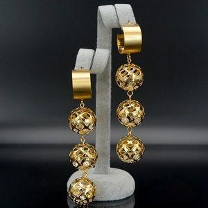 Jewelry - Goldtone Fashion Earrings